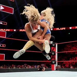 Raw 6/3/19 ~ Lacey Evans vs Charlotte Flair