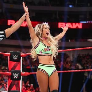 Raw 7/1/19 ~ Carmella vs Nikki menyeberang, cross
