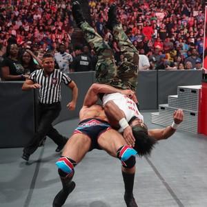 Raw 7/1/19 ~ R-Truth joins No Way Jose's conga line