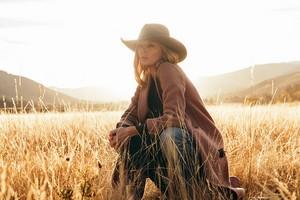 Season 2 Portrait - Beth Dutton