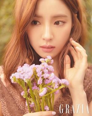 """Shin Se Kyung for """"GRAZIA"""""""