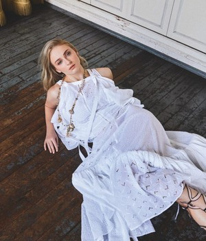 Sophie Turner ~ S Moda ~ June 2019
