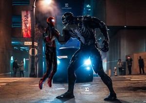 Spiderman vs Venom aka Tom vs Tom!