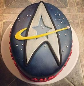 estrella Trek cakes