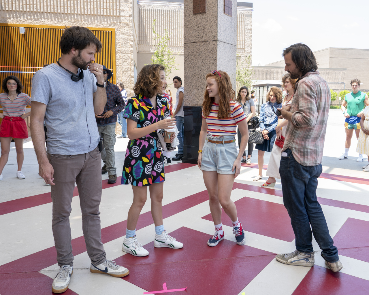 Stranger Things 3 - Behind the Scenes - The Duffer Brothers with Sadie Sink and Millie Bobby Brown