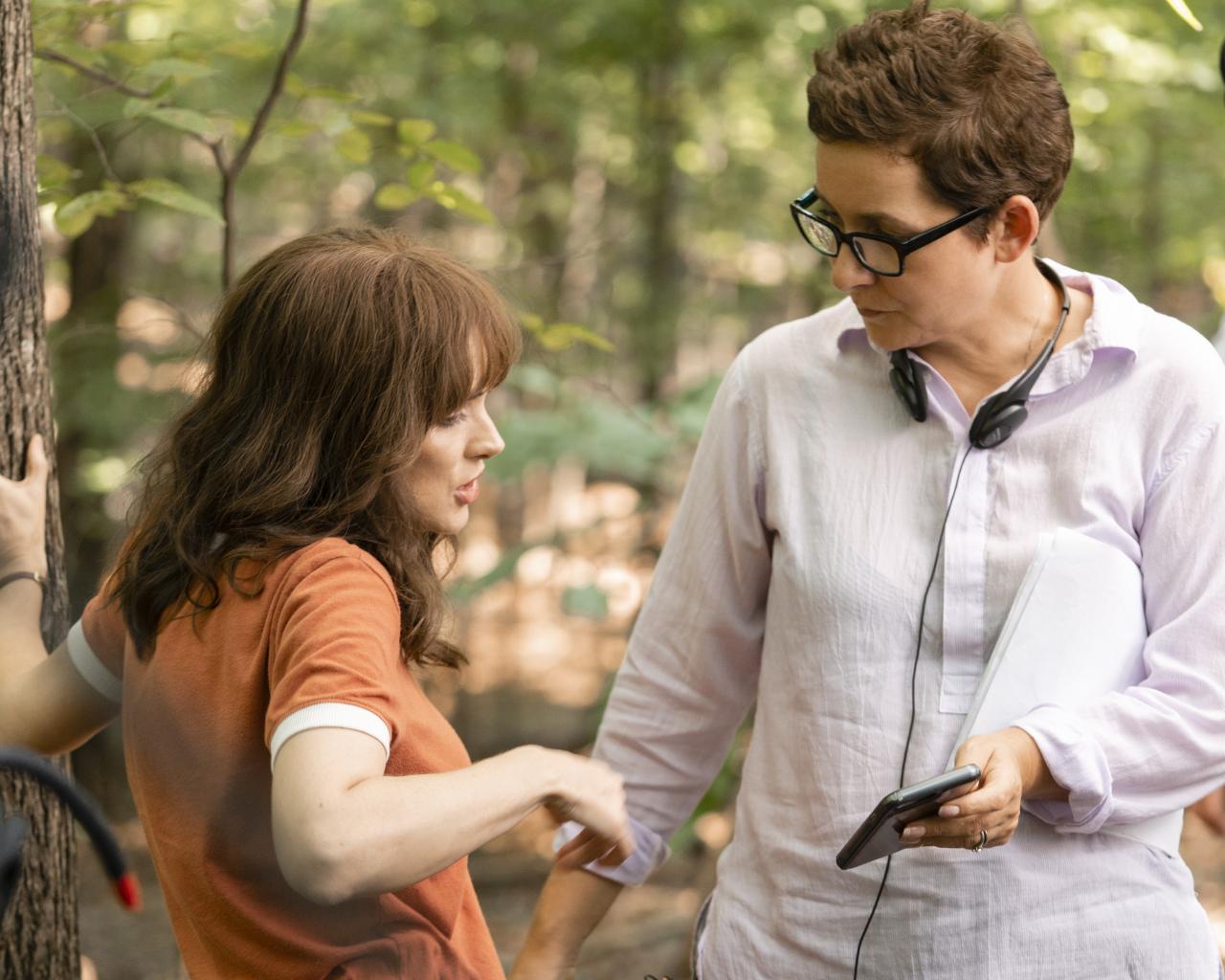 Stranger Things 3 - Behind the Scenes - Winona Ryder and Uta Briesewitz