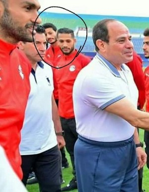 THIS MEN LOOK ABDELFATTAH ALSISI BAD asno