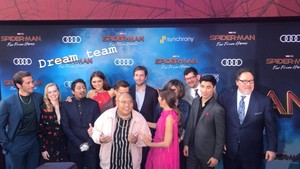 The cast of Spider-Man: Far From 首页 at the world premiere in Hollywood, CA (June 26, 2019)