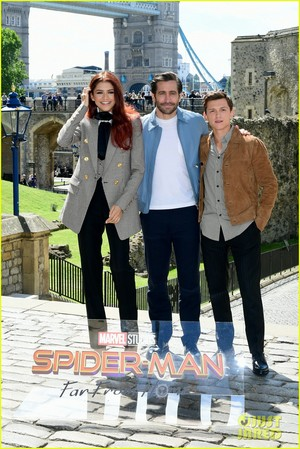 Tom Holland, Jake Gyllenhaal and Zendaya Reunite at 'Spider-Man: Far From Home' London Photo Call!