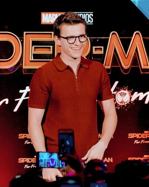 Tom Holland ~Spider-Man: Far From início fã Event, Indonesia (May 27, 2019)