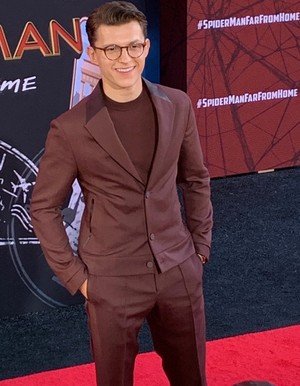 Tom Holland -Spider-Man: Far From 집 Premiere (June 26, 2019)