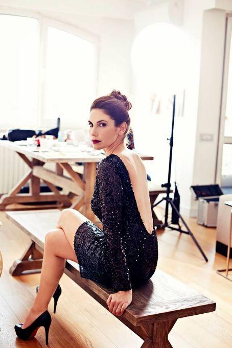 Zeynep Beserler Elele photoshoot