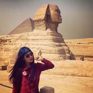 girls upendo travel, female travel bloggers, sphinx cairo, women travel blogger egypt, la carmina cute