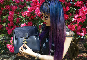 leo et violette bag review, leo et violette review, leo et violette leather purses handbags backpack