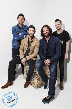 'Supernatural' Stars Celebrate Final Comic-Con -TV Insider