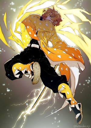 *Zenitsu Agatsuma : Demon Slayer: kimetsu no yaiba*