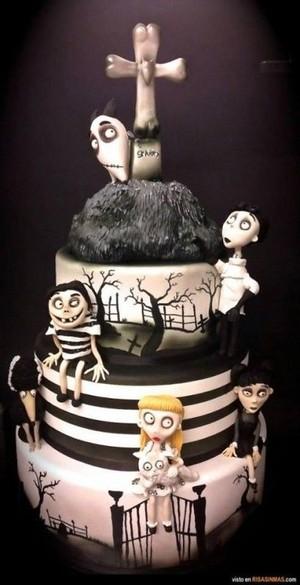 cake creations🎂💀🎃💜