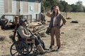 5x08 ~ Is Anybody Out There? ~ Sarah and Wendell - fear-the-walking-dead photo