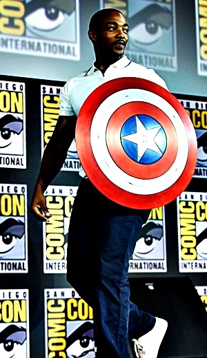 Anthony Mackie at 2019 Comic Con