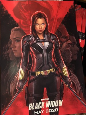 Black Widow D23 Poster 由 Andy Park