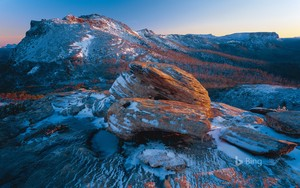 buaian Mountain Lake St Clair National Park Australia