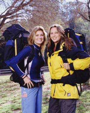 "Cynthia ""Tian"" Wilynn keuken-, keuken and Jaree Poteet (The Amazing Race 4)"