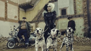 First look at Emma Stone as Cruella De Vil