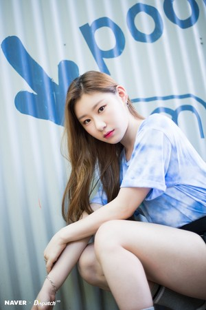 "ITZY Chaeryeong - ""IT'z ICY"" promotion photoshoot sejak Naver x Dispatch"