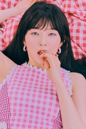 Irene rocks bangs in teaser 图片 for 'The ReVe Festival: 日 2'