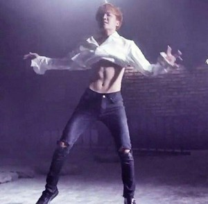 Jhope abs🔥🔥