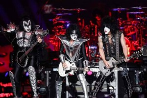 KISS ~Des Moines, Iowa...September 3, 2019 (Wells Fargo Arena)