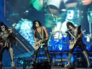 Ciuman ~Glasgow, Scotland...July 16, 2019 (SSE Hydro)