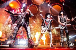 kiss ~Newark, New Jersey....August 14, 2019 (Prudential Center)