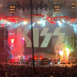 Ciuman ~Noblesville, Indiana...August 31, 2019 (Ruoff utama Mortgage Muzik Center)
