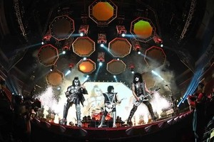 Kiss ~Sunrise, Florida...August 6, 2019 (BB