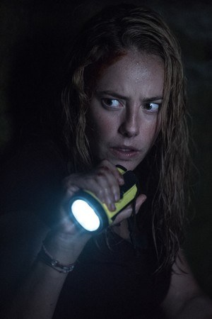 Kaya Scodelario in Crawl