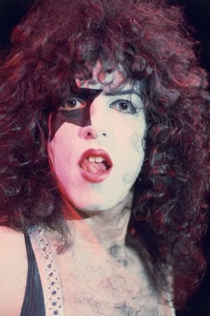 Kiss Alive! تصویر shoot (1975)