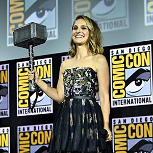 Natalie at Comic Con 2019,who will play female Thor in 爱情 and Thunder