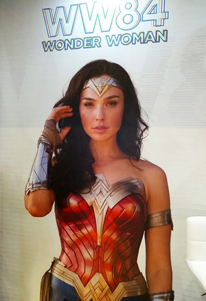 New promo image for Wonder Woman 1984 from Expo Licensing Brasil