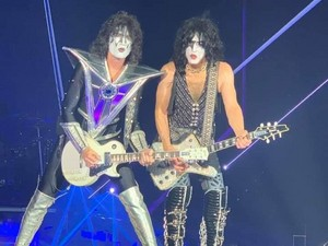 Paul and Tommy ~Newcastle, England...July 14, 2019 (Utilita Arena)