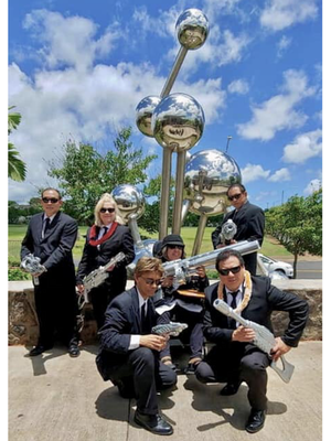 Protecting the Earth and Paradise, the Agents of MIB: Hawaii Division!
