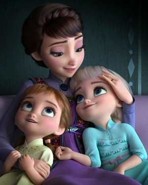 Queen Iduna with Elsa and Anna