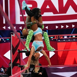 Raw 7/15/19 ~ Carmella vs Alexa Bliss vs Naomi vs Natalya