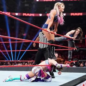 Raw 8/12/19 ~ Alexa Bliss/Nikki tumawid vs The Kabuki Warriors