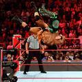 Raw 8/12/19 ~ Cedric Alexander vs Drew McIntyre - wwe photo