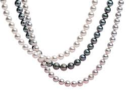 Strand. Of Pearls In A Variety Of 색깔