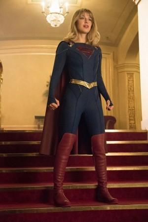 Supergirl - Episode 5.01 - Event Horizon - Promo Pics