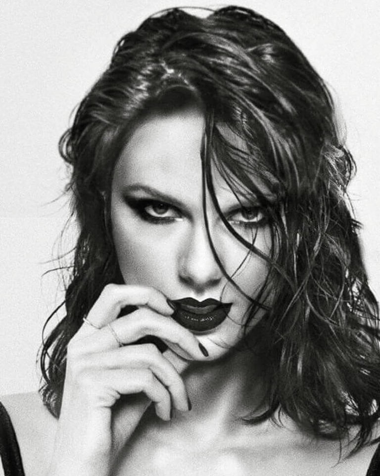 TAYLOR SWIFT ANGRY