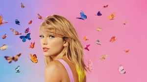 TAYLOR cepat, swift LOVER