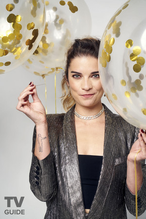 TV Guide's 'Best Show On TV' Photoshoot 2019 ~ Annie Murphy